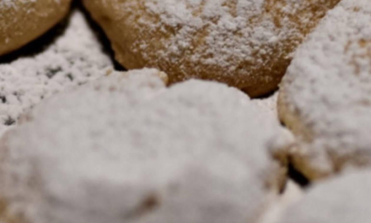 Αυτή είναι η συνταγή για τους κουραμπιέδες του Λευτέρη Σουλτάτου (photos)
