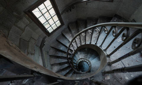 To μάθαμε και αυτό: Γιατί όλα τα παλιά κάστρα έχουν περιστρεφόμενες σκάλες;