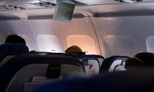 Αυτός είναι ο λόγος που χαμηλώνουν τα φώτα κατά την απογείωση και την προσγείωση αεροσκάφους (pics)
