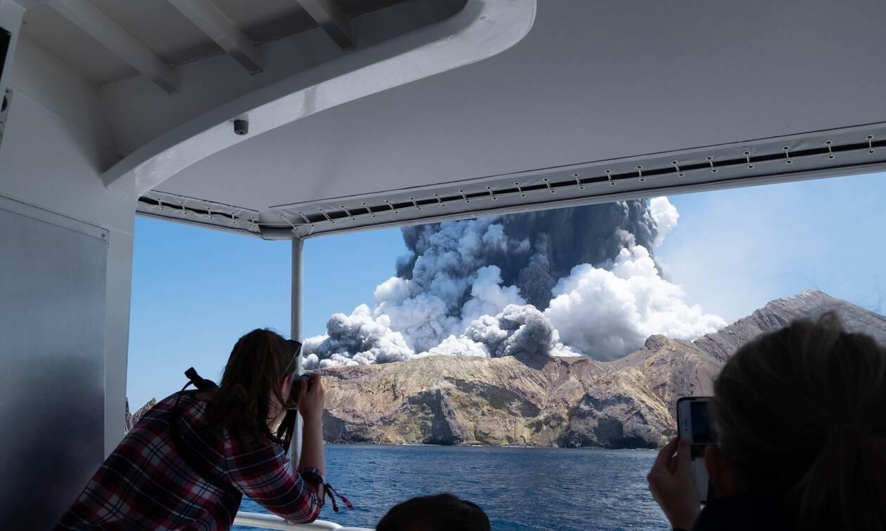 Νέα Ζηλανδία: Φόβοι για νέα έκρηξη του ηφαιστείου - «Επικίνδυνη» η επιχείρηση διάσωσης