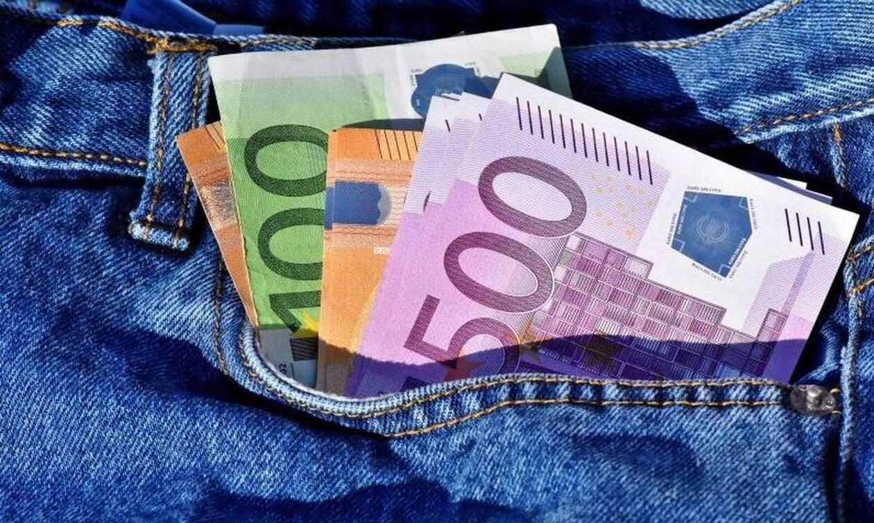 Το αφεντικό του... αιώνα: Δείτε πόσα χρήματα έδωσε bonus στους υπαλλήλους του