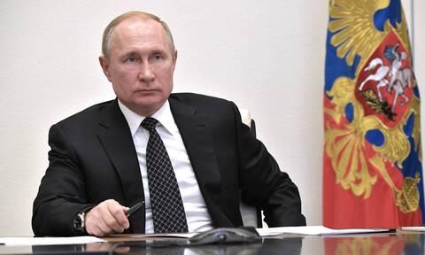 Путин объяснил, почему звания Героев РФ присваиваются вне зависимости от национальности
