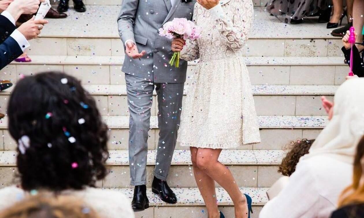 Χαμός σε γάμο: Ο κουμπάρος έπαιξε μπουνιές με τη νύφη και την μητέρα της!  (pics)