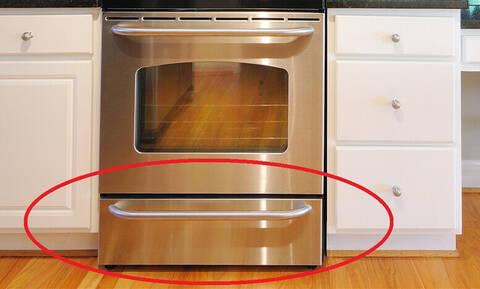 Βάζεις αλουμινόχαρτο στο συρτάρι του φούρνου; Μην το ξανακάνεις!