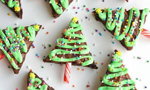 Χριστουγεννιάτικα δεντράκια brownies - Πώς θα τα φτιάξετε (vid)