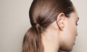 Έτσι θα απαλλαγείς οριστικά από την ψαλίδα στα μαλλιά σου