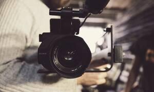 Έβαλε κρυφή κάμερα στο σπίτι της και «τσάκωσε» τη φίλη της - «Πάγωσε» με αυτό που ανακάλυψε (vid)