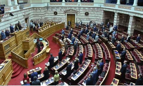 Βουλή Live: Οι ομιλίες των πολιτικών αρχηγών για την ψήφο των αποδήμων