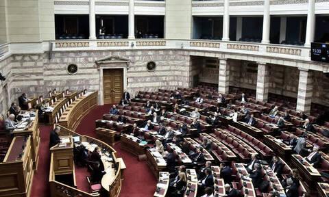 Ψήφος αποδήμων: Σπάνια στα χρονικά συναίνεση στη Βουλή, παρά τις διαφωνίες των αρχηγών