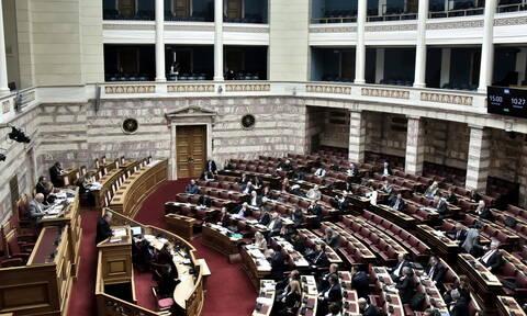 Ψήφος Ελλήνων εξωτερικού: Τι προβλέπει το νομοσχέδιο που υπερψηφίστηκε με συντριπτική πλειοψηφία
