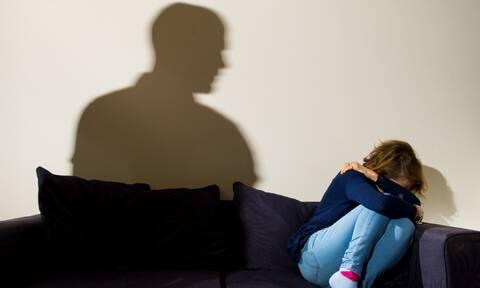 Κρήτη: Ζούσε τον απόλυτο εφιάλτη από 12 ετών στα χέρια του πατέρα της - Σοκάρουν τα νέα στοιχεία