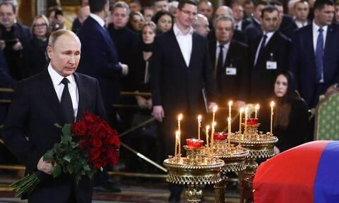 Путин приехал на церемонию прощания с Лужковым в храм Христа Спасителя