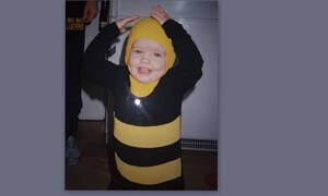 Άγριες Μέλισσες: Πρωταγωνίστρια της σειράς όταν ήταν μωρό είχε ντυθεί μελισσούλα- Την αναγνωρίζετε;
