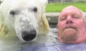 Το πιο τρελό βίντεο που θα δεις σήμερα! Δες τι κάνει η… τυπάρα!