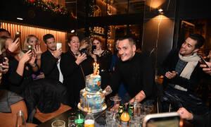 Λαμπερό πάρτι γενεθλίων με εκλεκτούς καλεσμένους! Το «κάψανε» χθες το βράδυ! (photos)