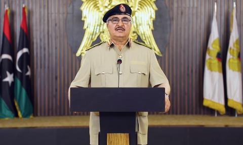 Εμφύλιος πόλεμος στη Λιβύη: Ο Χαφτάρ έδωσε εντολή για κατάληψη της Τρίπολης