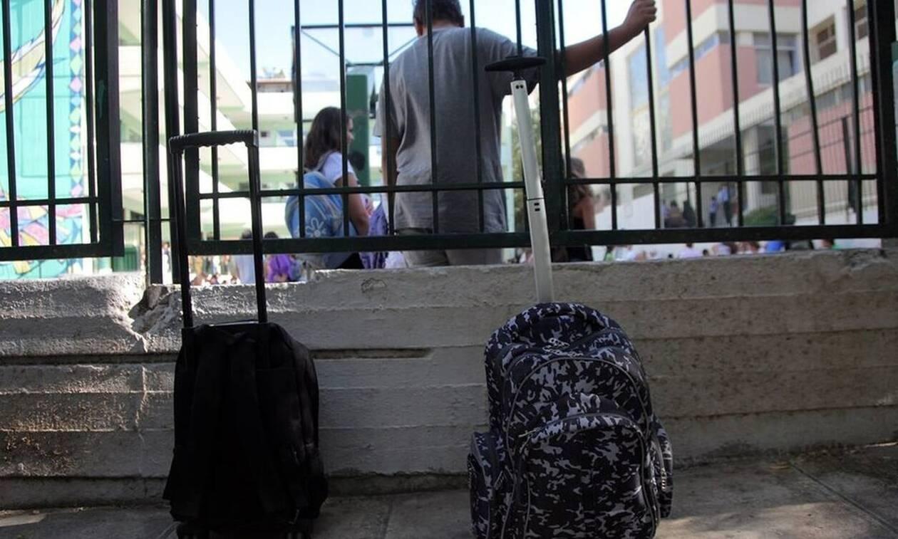 Τι λέει ο πατέρας που χτύπησε τον 10χρονο συμμαθητή της κόρης του