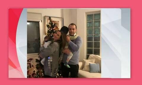 Λιάτσος-Καρποντίνη: Αυτό είναι το «ξεχαρβαλωμένο» χριστουγεννιάτικο δέντρο τους