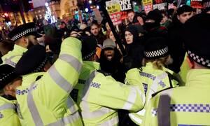 Λονδίνο: «Μπόρις έξω» - Πορεία διαδηλωτών κατά του Τζόνσον (pics)
