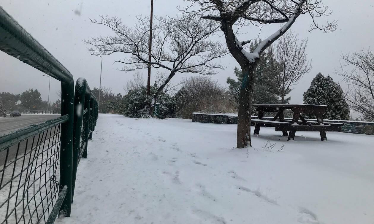 Καιρός - «Ετεοκλής»: Καταιγίδες και χιόνια έκλεισαν δρόμους στη Μακεδονία