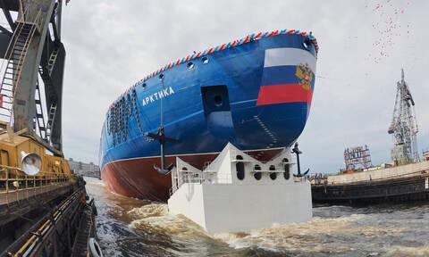 Arktika: Το ισχυρότερο παγοθραυστικό του κόσμου επέστρεψε στη βάση του