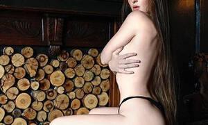 Αυτή είναι η γυναίκα που κάνει γυμνισμό και τον χειμώνα (pics)