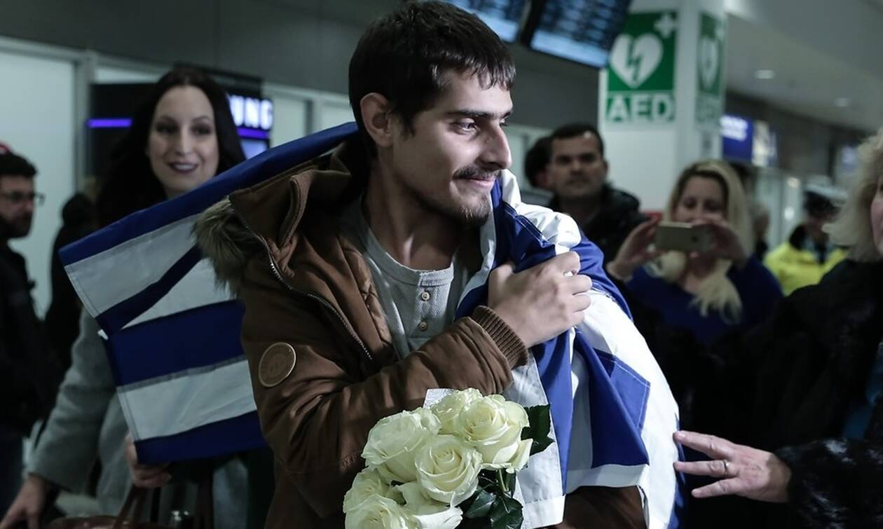 Τέλος στο θρίλερ! Στην Ελλάδα ο Έλληνας ναυτικός που ήταν όμηρος πειρατών στο Τόγκο (pics)