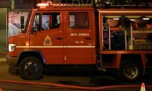 Φωτιά σε εγκαταλελειμμένο κτήριο στην Ερμού