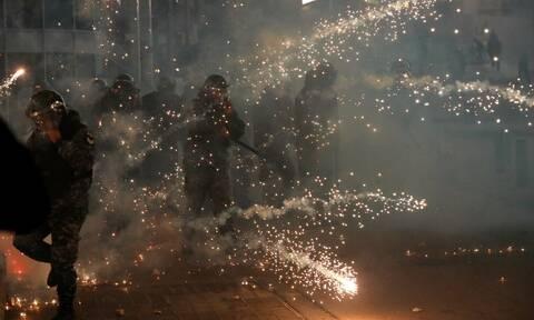 Λίβανος: Δακρυγόνα και πλαστικές σφαίρες - Δεκάδες τραυματίες σε μια ακόμη νύχτα ταραχών στην Βηρυτό