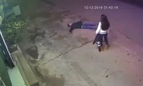 Τσακώθηκε άγρια με την κοπέλα του και αργότερα έπεσε ξερός! Δείτε γιατί (vid)