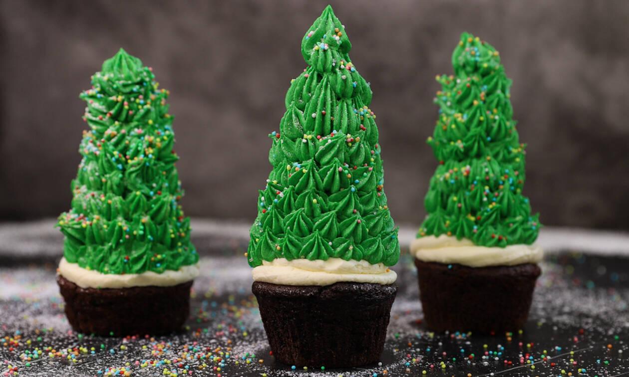 Η γλυκιά συνταγή της ημέρας: Cupcakes χριστουγεννιάτικου δέντρου