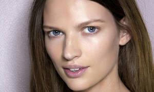Υποφέρεις από ακμή; Έχουμε τα τέλεια tips για το μακιγιάζ σου!