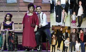 Οι επώνυμοι πήγαν να δουν με τα παιδιά τους το μιούζικαλ Annie! (photos)