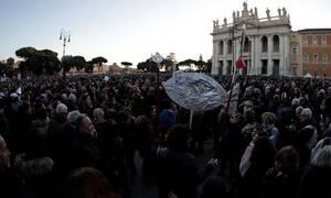 Ιταλία: Νέα μαζική κινητοποίηση του «κινήματος της σαρδέλας», στο κέντρο της Ρώμης