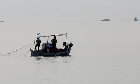 Συναγερμός στο Αιγαίο: Τουρκικό σκάφος παρενόχλησε Έλληνα ψαρά κοντά στην Καλόλιμνο