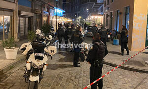Σικάγο το κέντρο της Θεσσαλονίκης: Κουκουλοφόροι έριξαν 30 σφαίρες δίπλα σε πολυσύχναστη πλατεία