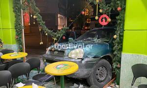 Θεσσαλονίκη: Τζιπ που καταδιωκόταν από περιπολικό κατέληξε σε μπουγατσατζίδικο!