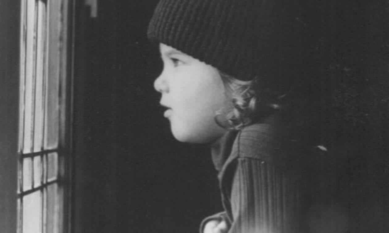 Αναγνωρίζεις ποια πασίγνωστη ηθοποιός είναι το κοριτσάκι της φωτογραφίας;