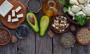 Ωμέγα-3 λιπαρά: 7 τροφές πιο πλούσιες από τα ψάρια (φωτο)