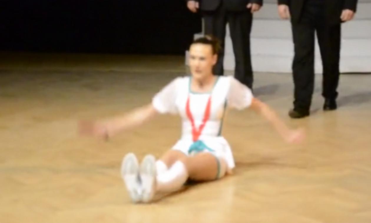 Βίντεο: «Καυτή» ακροβάτισσα τρελαίνει τον κόσμο στην αίθουσα!