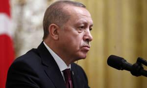 Ψεύτης και συκοφάντης ο Ερντογάν: Μας πρότειναν να βυθίζουμε τις βάρκες με τους πρόσφυγες