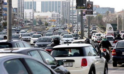 Κίνηση ΤΩΡΑ: Μποτιλιάρισμα στους δρόμους - Πού εντοπίζονται προβλήματα
