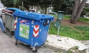 Σοκ: Βρέφος βρέθηκε μέσα σε κάδο απορριμμάτων στην Καλαμάτα