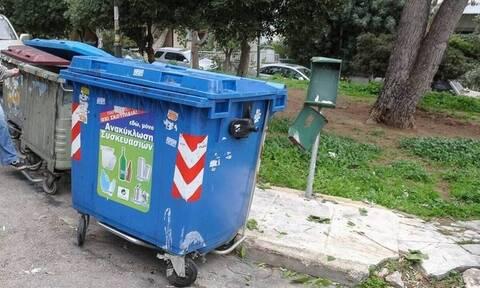 В Греции в Каламате в мусорном баке обнаружен новорожденный ребенок