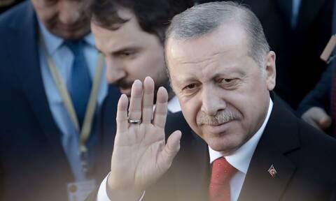 Independent: Κίνδυνος για τεράστια σύγκρουση στην Μεσόγειο λόγω Ερντογάν