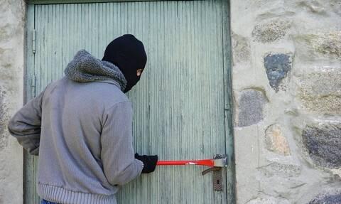Θεσσαλονίκη: «Μυθικός» κλέφτης μπούκαρε σε σπίτι – Δεν θα πιστέψετε τι έκλεψε (pics)