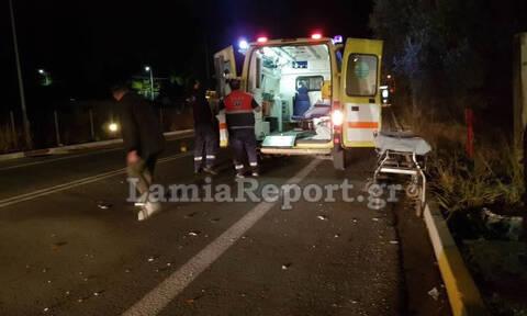 Λαμία: Σοβαρό τροχαίο με μηχανή - Το κράνος του έσωσε τη ζωή (pics)