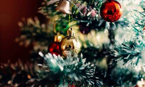 Η χριστουγεννιάτικη Αθήνα από ψηλά! (vid)