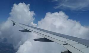 Απίστευτο! Καήκατε από καφέ στο αεροπλάνο; Δείτε πόση αποζημίωση θα πάρετε