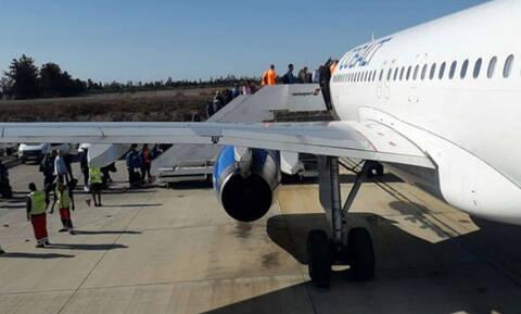 Γιατί η επιβίβαση στο αεροπλάνο γίνεται από τα αριστερά;